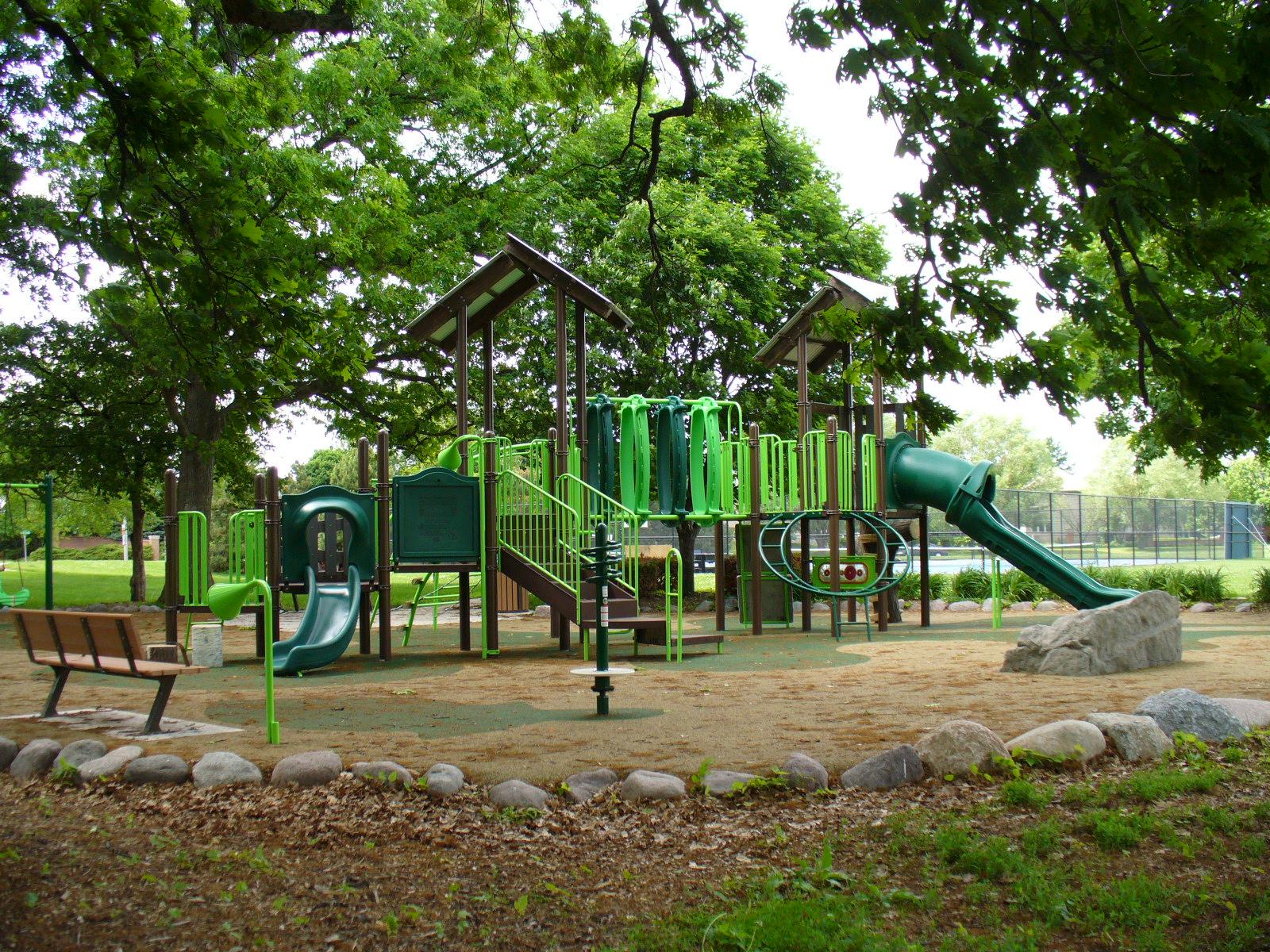 www.oswegolandparkdistrict.org